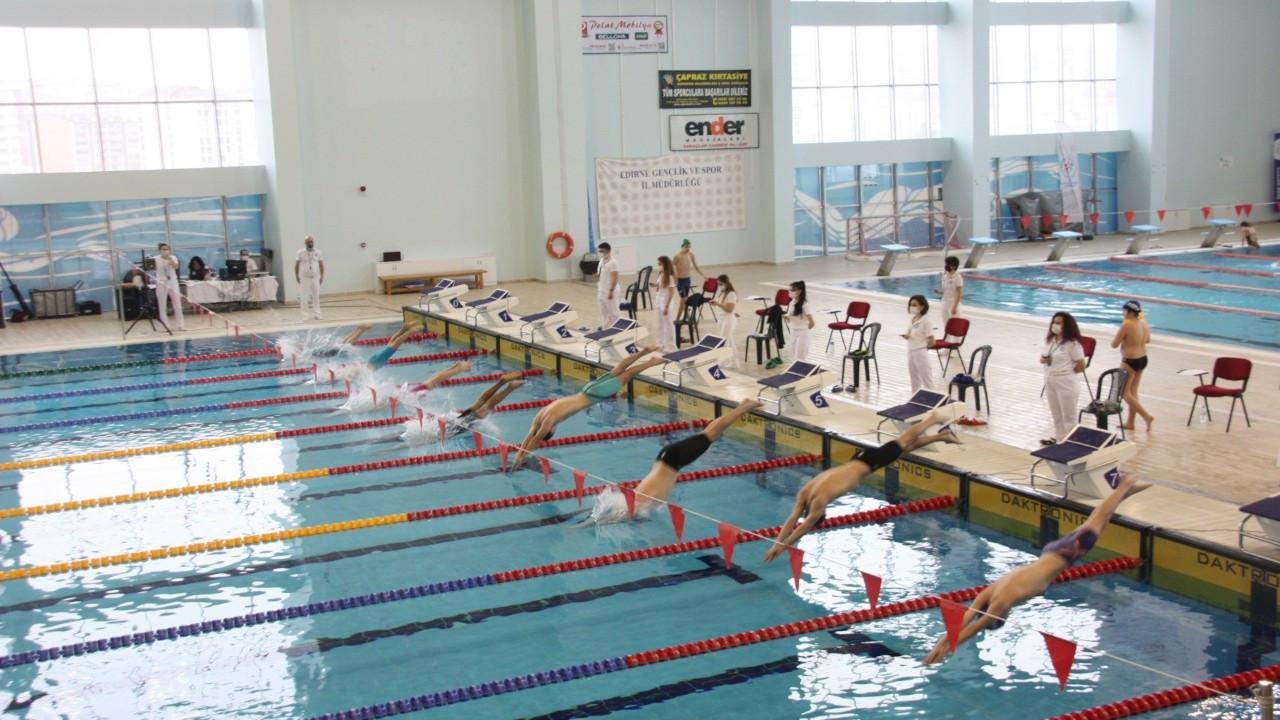 Edirne'de 11 ay sonra ilk yüzme yarışı