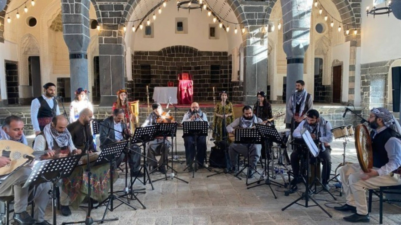 'Geçmişin Sesi Amida Konserleri' bu akşam yayında