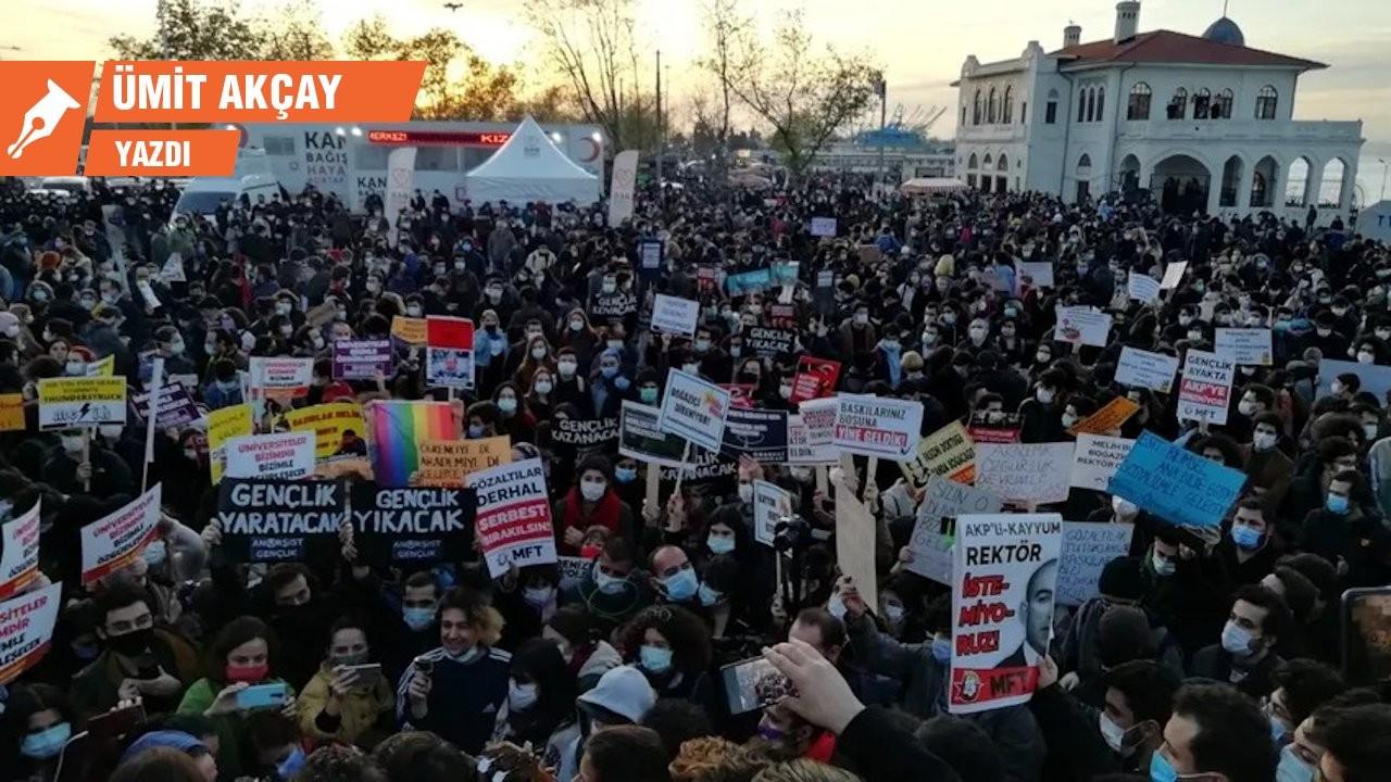 Öğrencilerin demokrasi mücadelesinden öğreneceklerimiz var