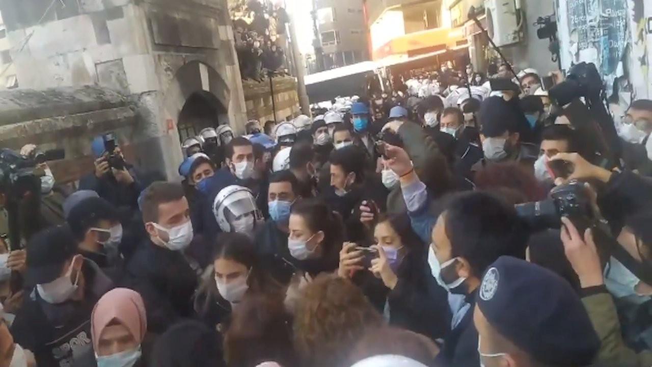Kadıköy'de gözaltına alınan 61 kişi adliyeye çıkarıldı