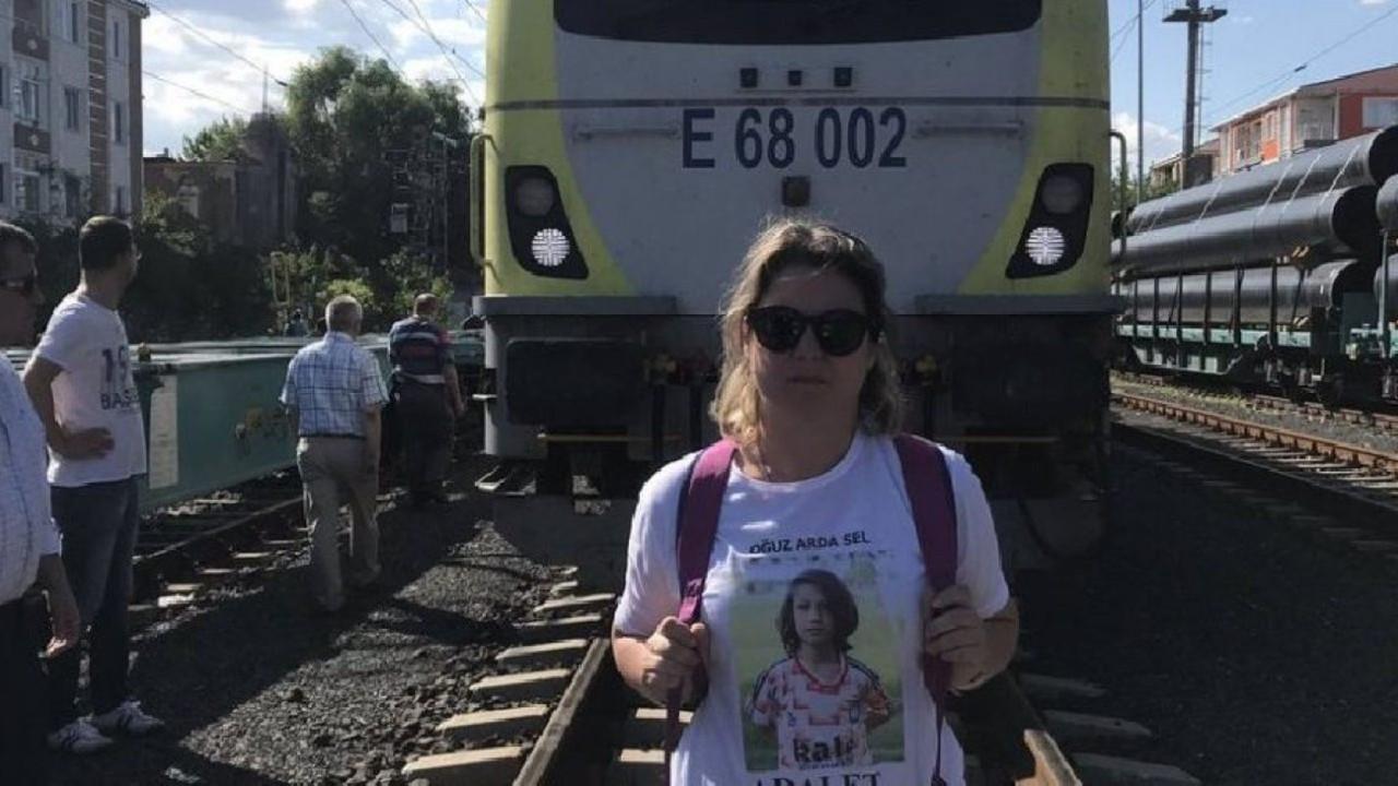 Çorlu tren kazasında ölen Oğuz Arda'nın annesi Mısra Öz Sel'e ceza
