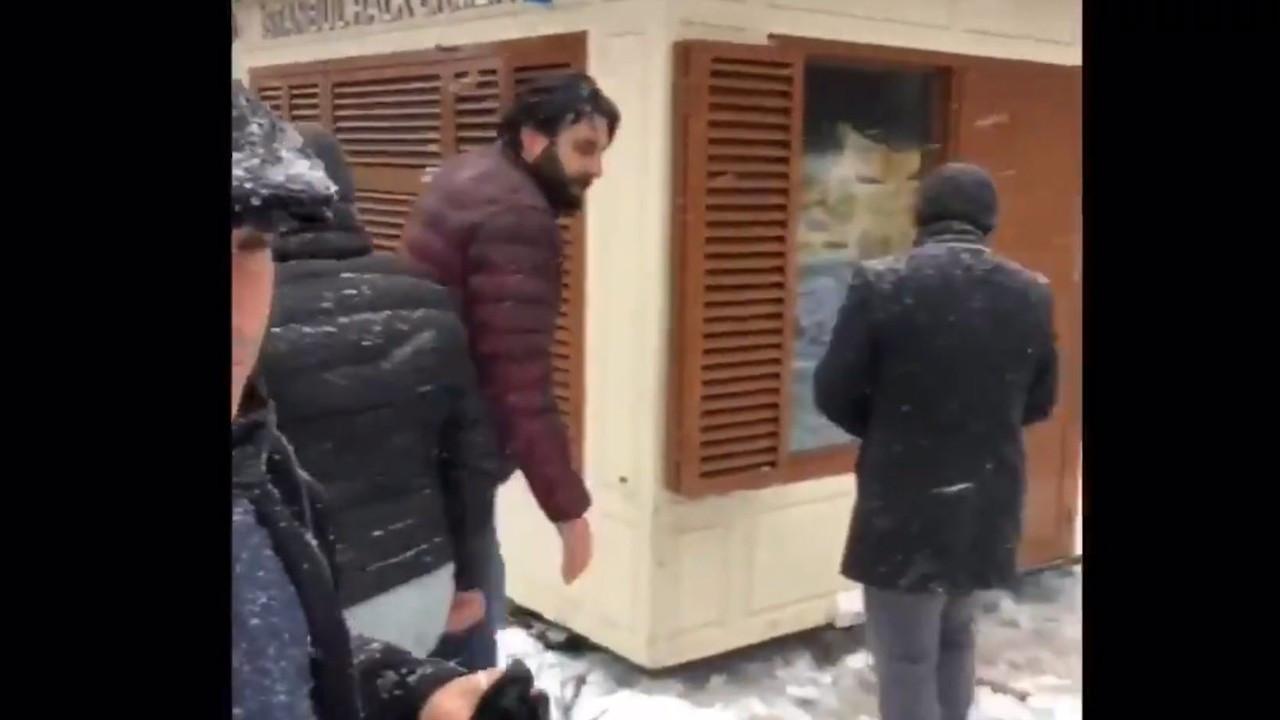 Sancaktepe'de belediye İBB'nin Halk Ekmek büfesini kaldırdı