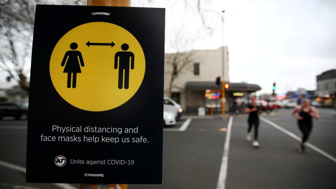 Yeni Zelanda'da üç vaka üzerine bir kent kapatıldı
