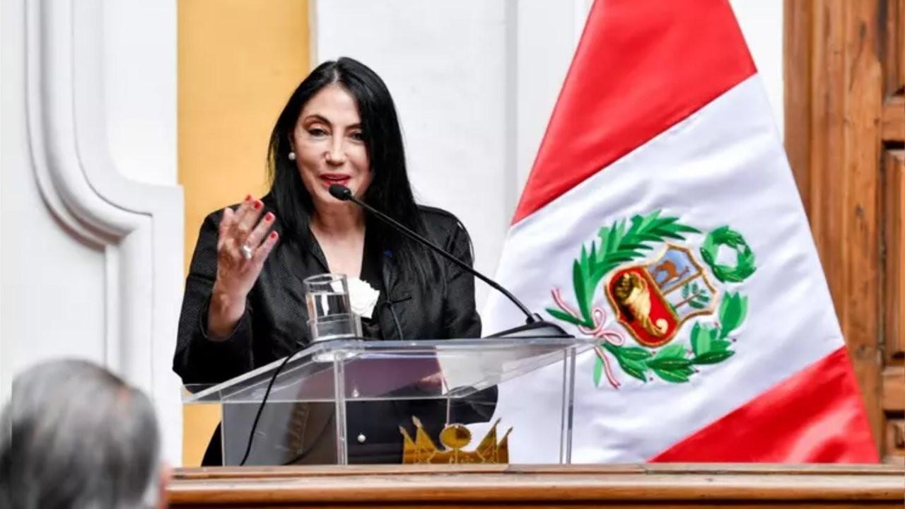 Yetkililere özel aşı skandalı: Peru'da bir bakan daha istifa etti
