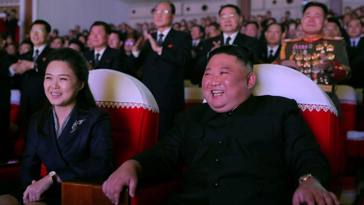Kuzey Kore lideri Kim'in eşi Ri, bir yıl sonra ilk kez görüntülendi