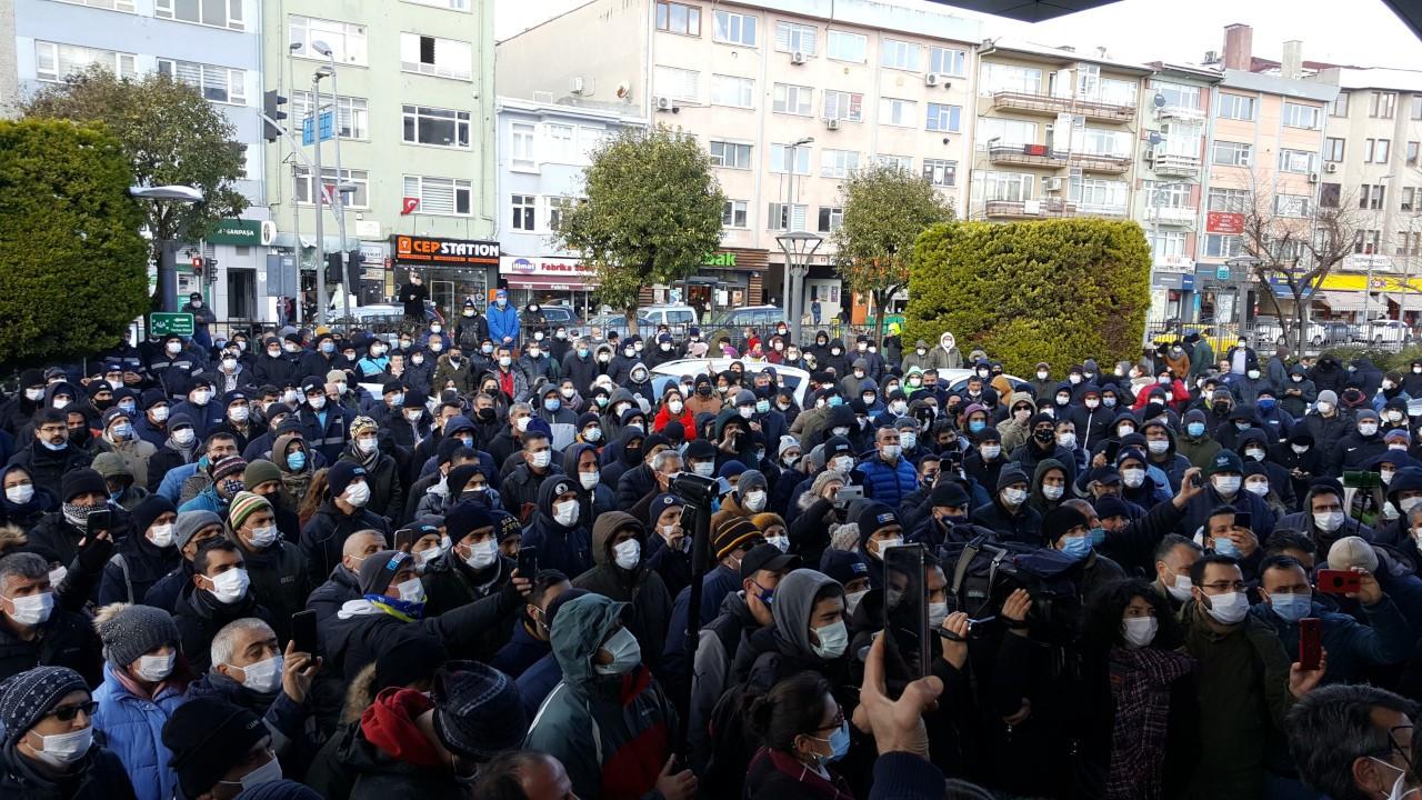 Kadıköy'de Genel-İş gece imzayı attı işçiler tepkili: Greve devam