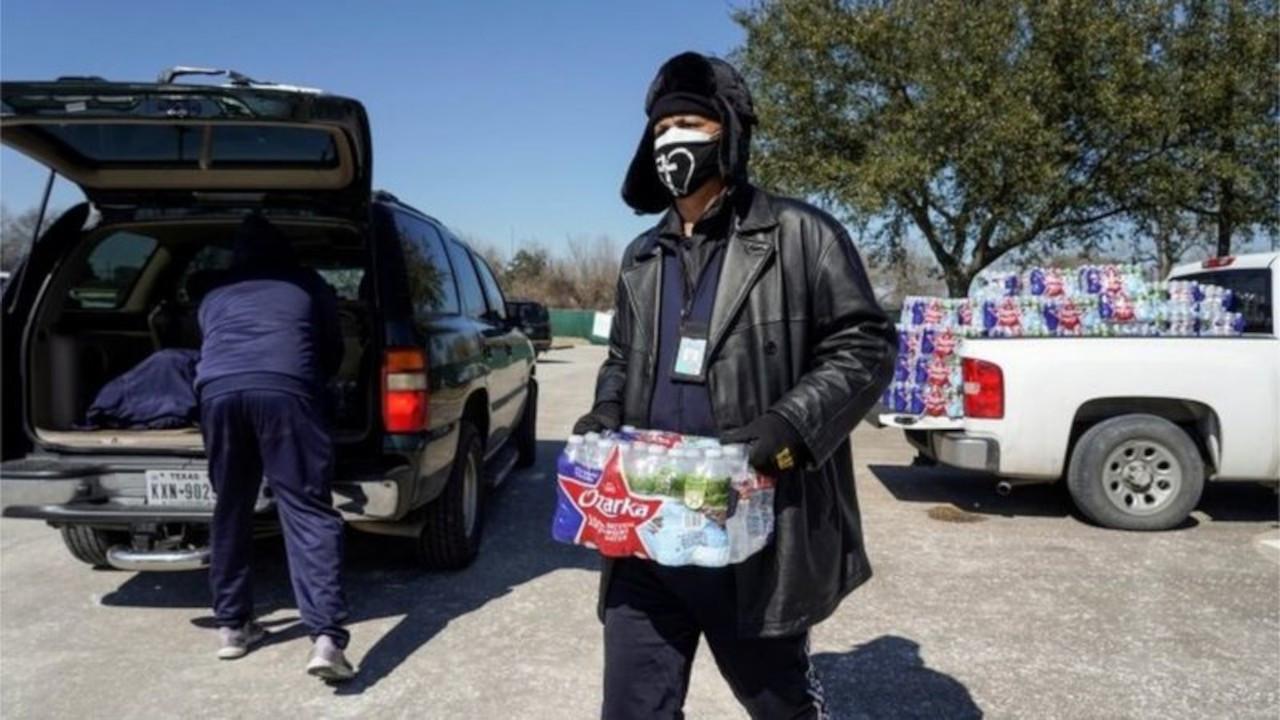 Biden, kutup soğuklarıyla boğuşan Teksas'ta 'acil durum' ilan etti