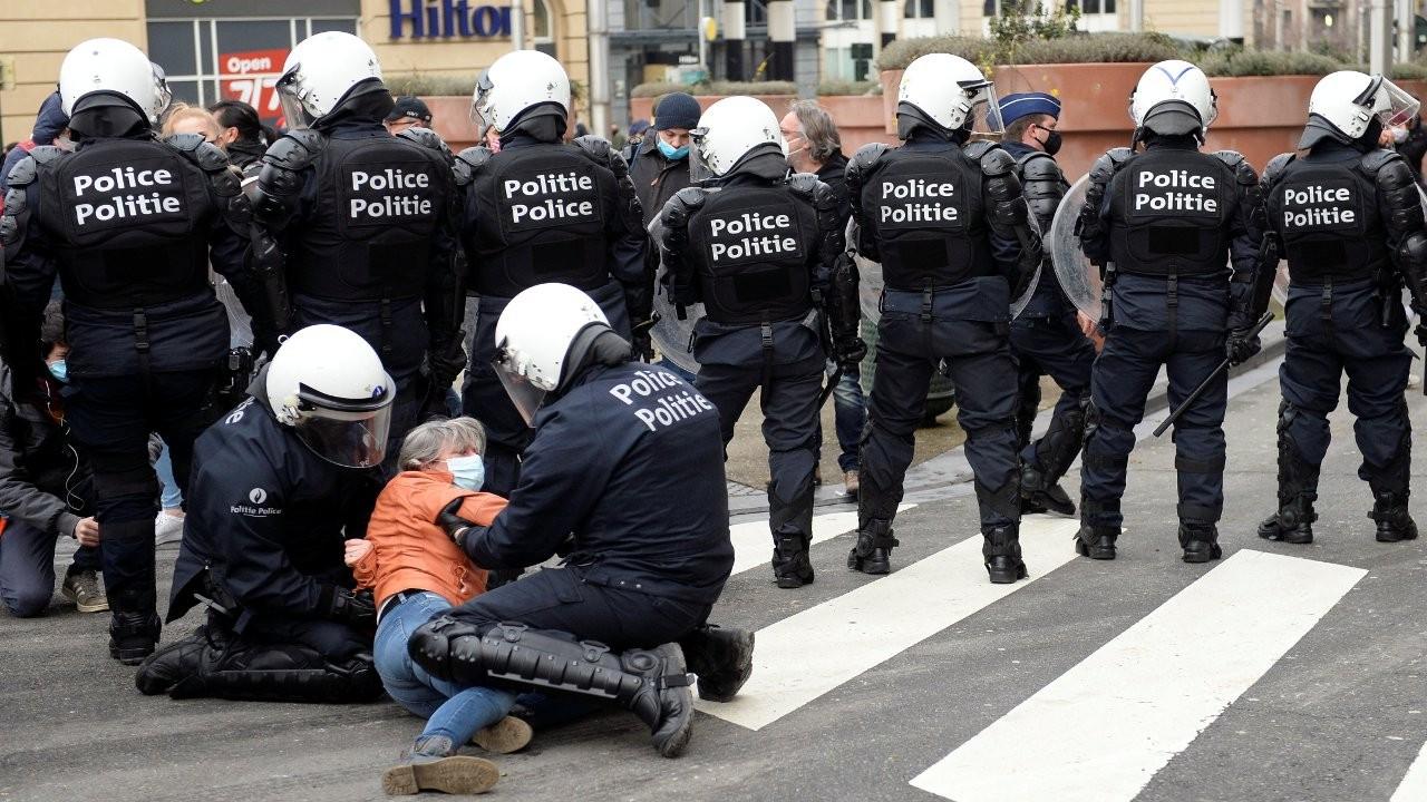 Belçika'da bir grup polisten meslektaşlarına suç duyurusu