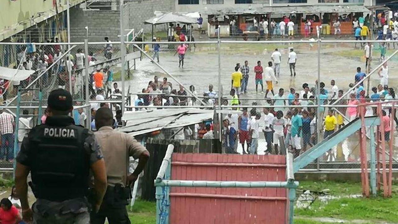 Ekvador'da cezaevlerinde isyan: Polis en az 50 mahkumu öldürdü