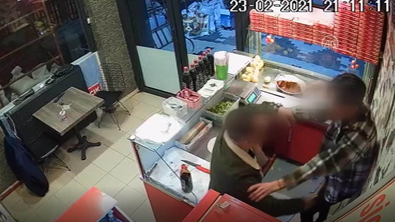 Çiğ köfte 'acılı' diye işyeri çalışanına saldırdı