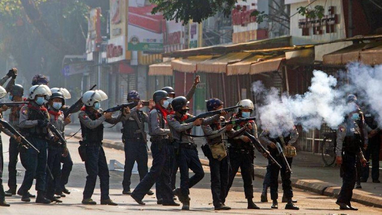 Dışişleri: Myanmar'da orantısız güç kullanımını şiddetle kınıyoruz