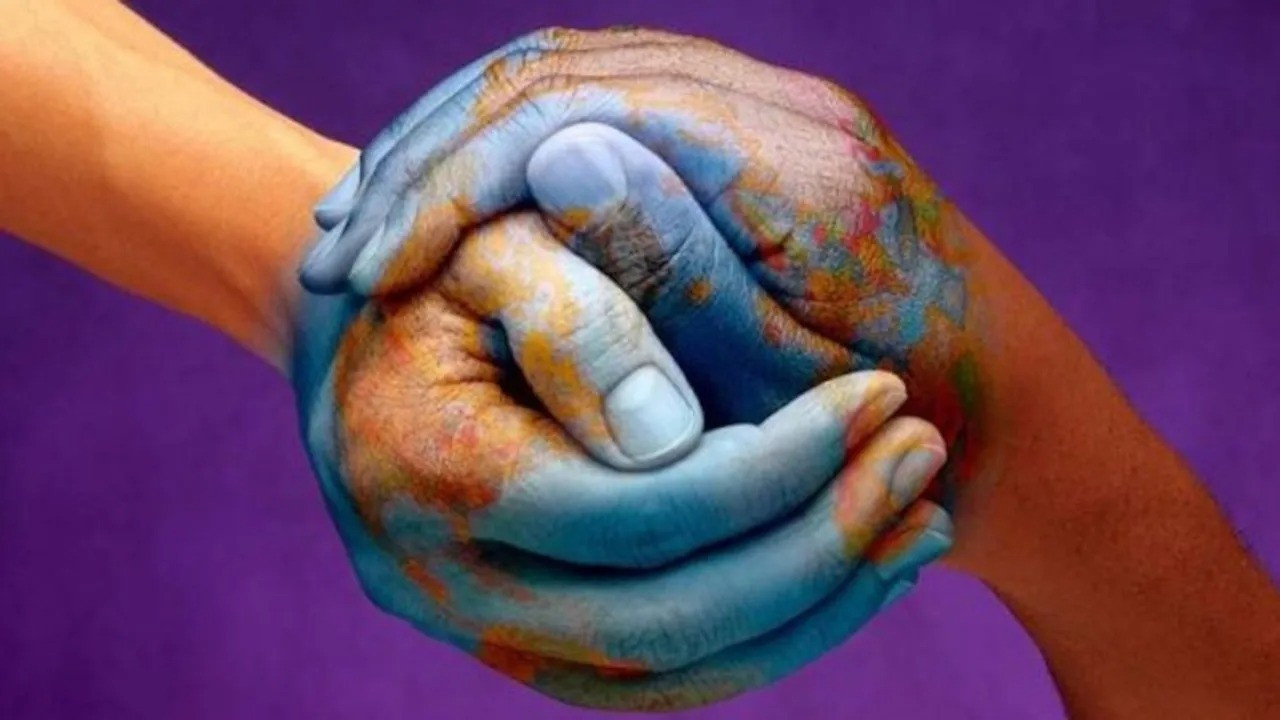 Yetkin: Yeni insan hakları paketi açılıyor, dostlar alışverişte görsün