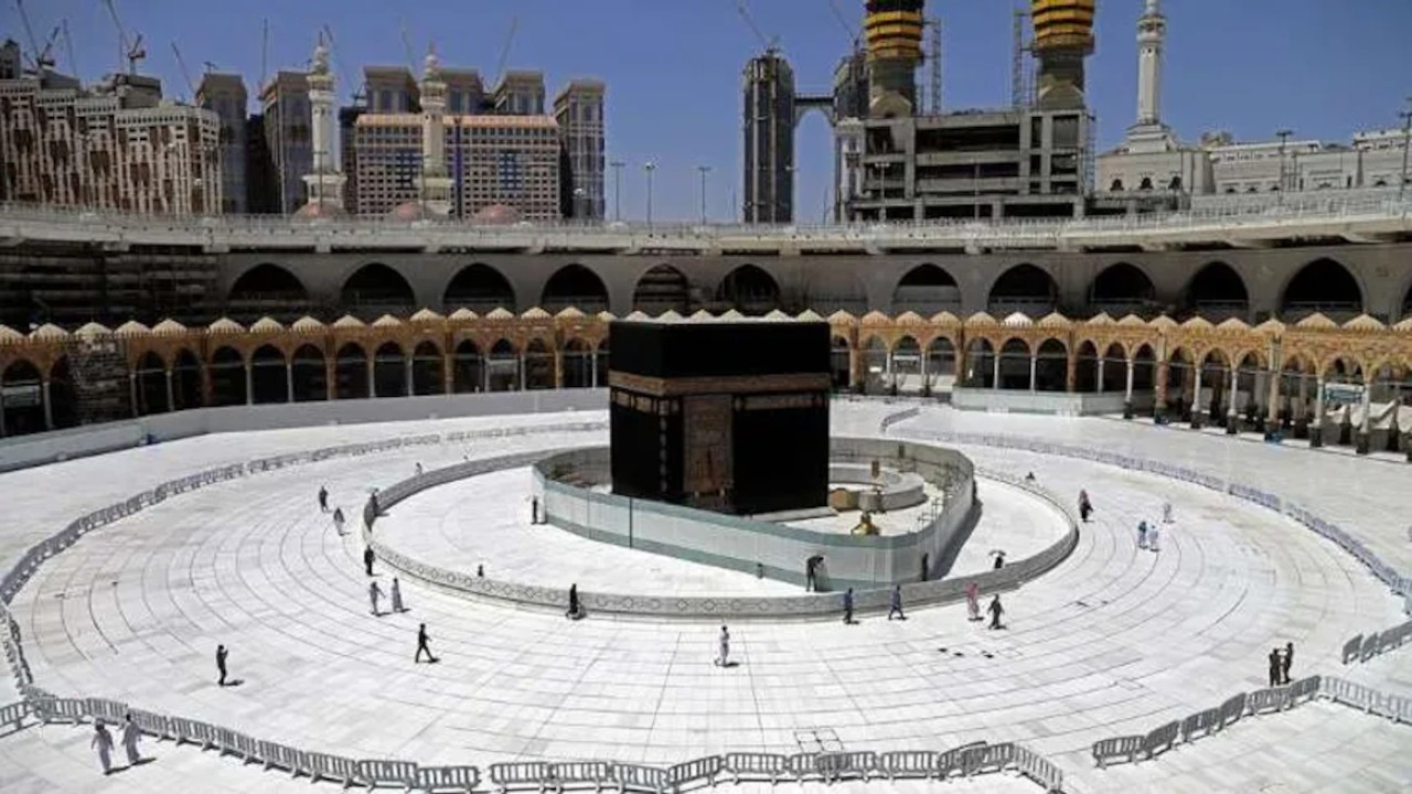 Suudi Arabistan hac ibadeti için aşı şartı getirdi