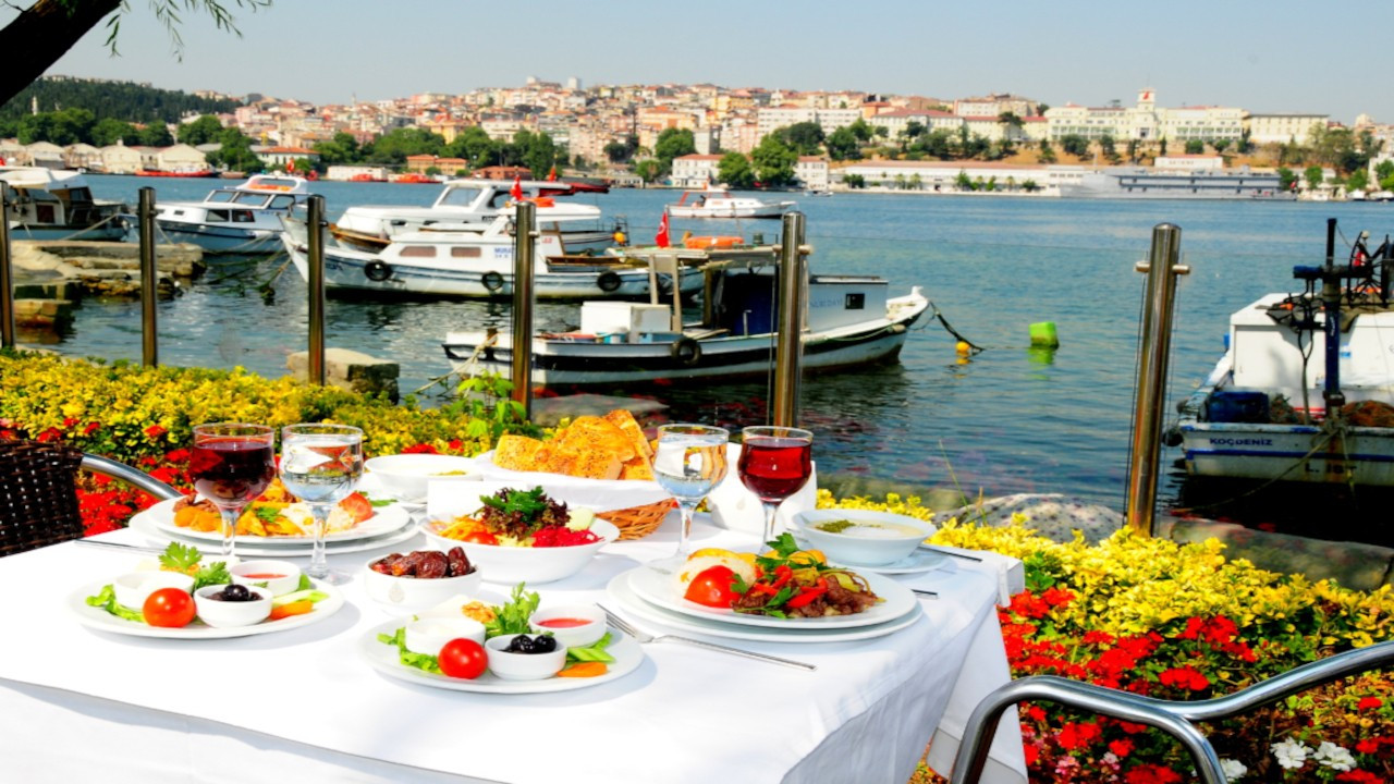 İBB'nin restoran ve kafeleri 5 Mart'ta açılıyor