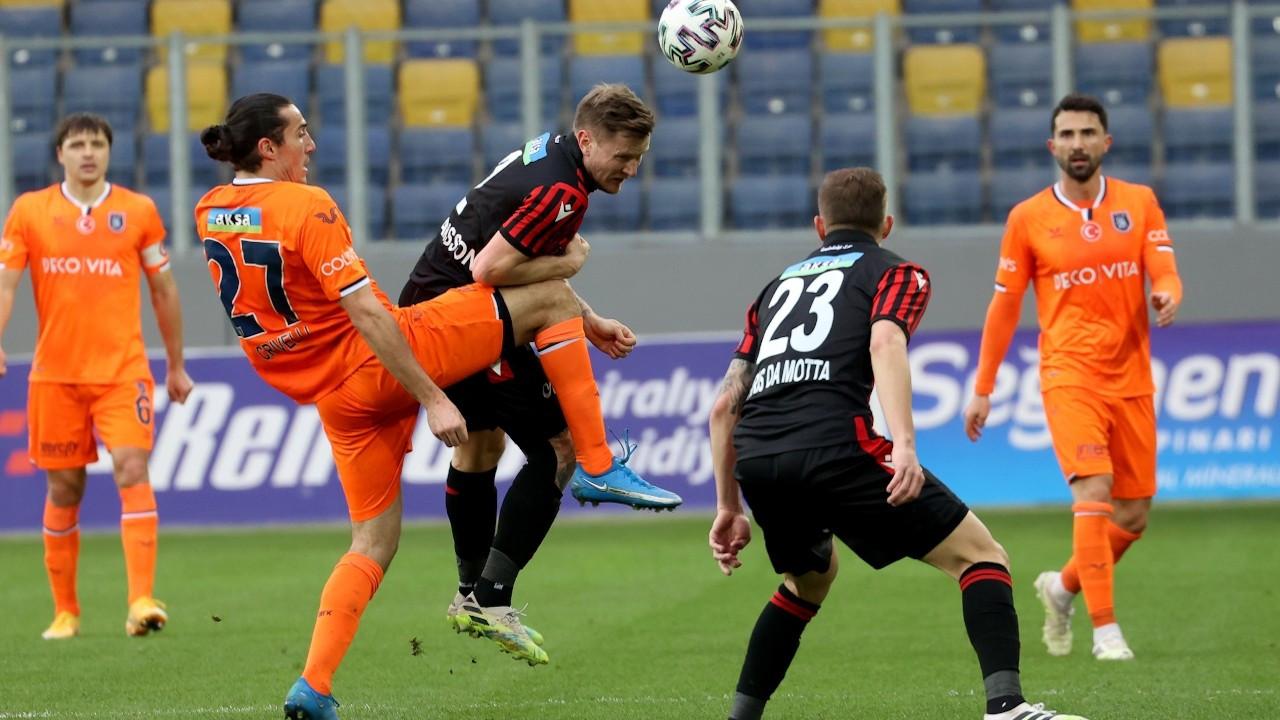Başakşehir 3 puanı son dakika golüyle aldı