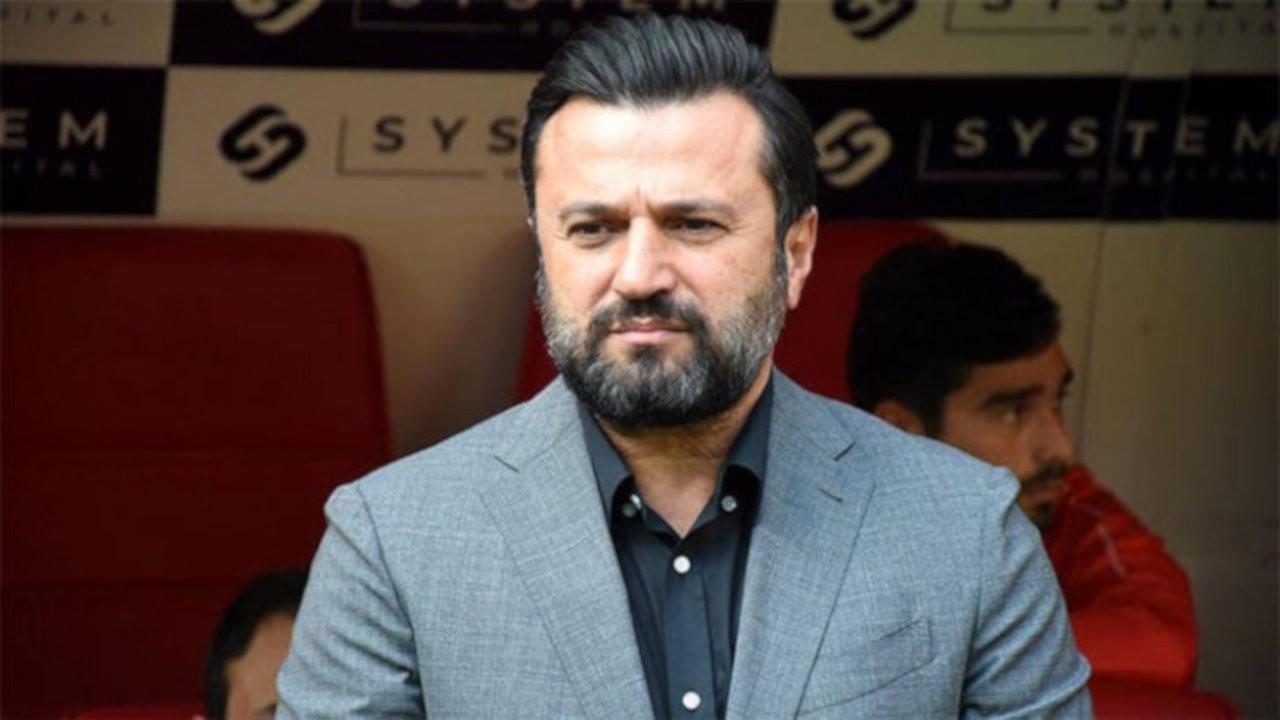 Çaykur Rizespor'da Bülent Uygun'un sözleşmesi feshedildi