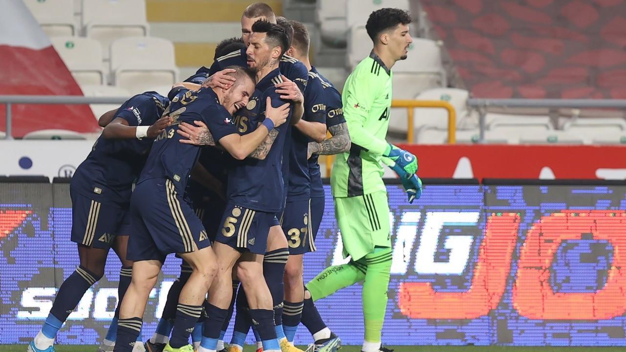 Fenerbahçe, Konya'dan 3 puanla dönüyor: 3-0