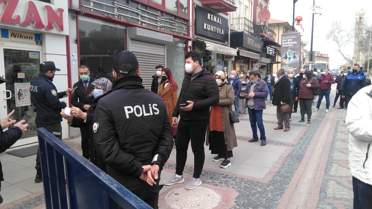 Edirne'de caddelere bile HES koduyla giriliyor