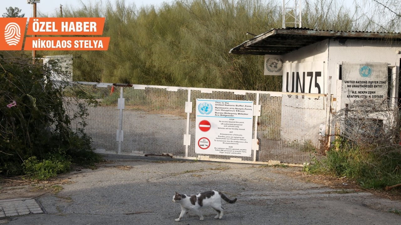 Rumlar Kıbrıs'a dikenli tel çekiyor