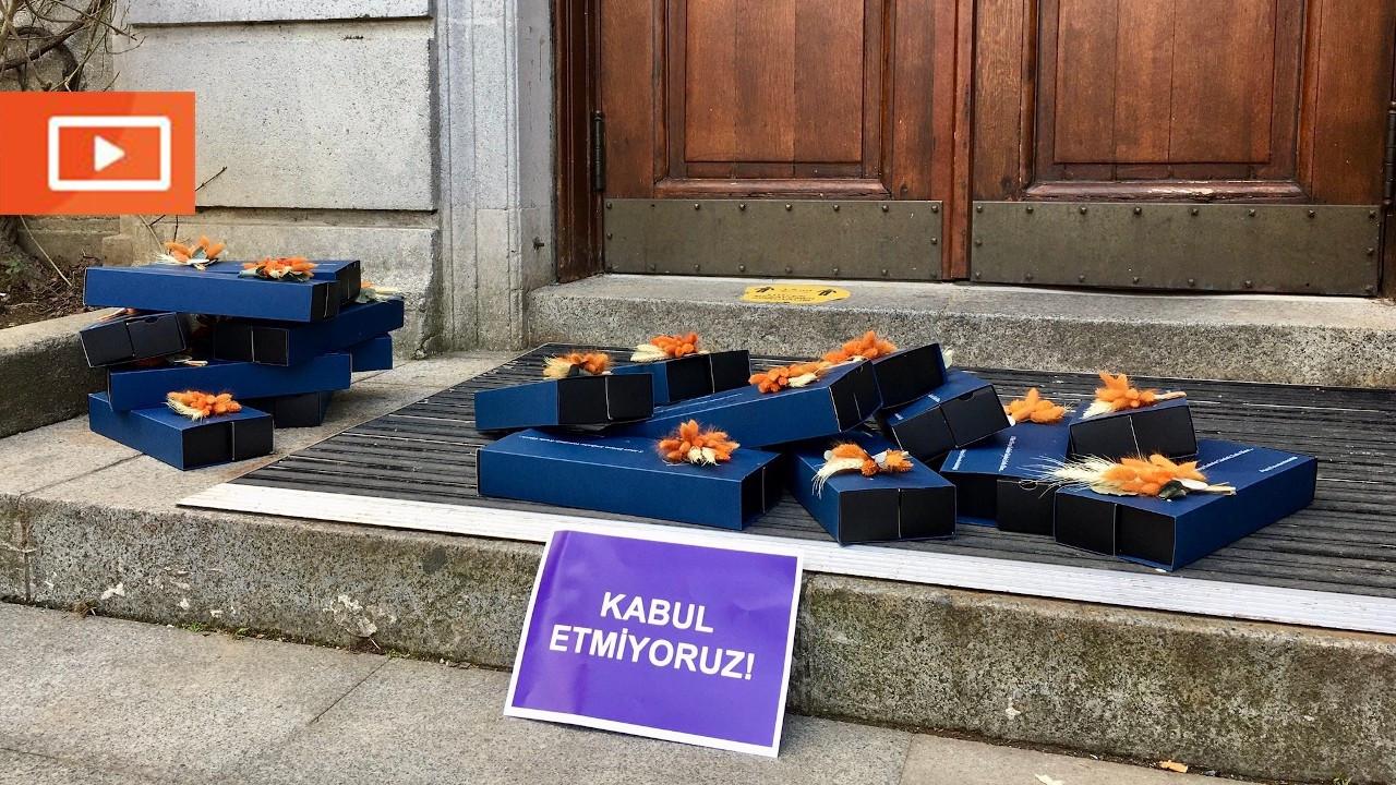 Öğretim üyeleri, Melih Bulu'nun 8 Mart çikolatalarını iade etti