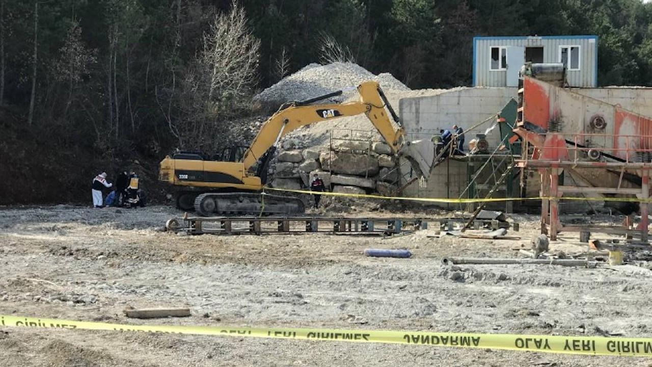 Kum ocağında iş cinayeti: Taş kırma makinesine sıkışan 2 işçi öldü