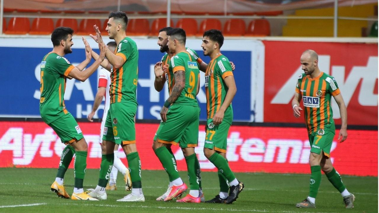 Akdeniz derbisinde Alanyaspor gol oldu yağdı