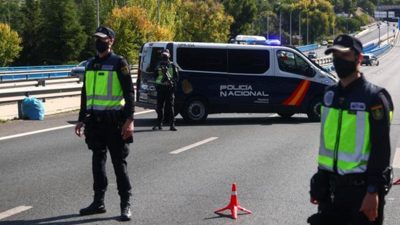İspanya'da polis 'ev yapımı uyuşturucu denizaltısına' el koydu