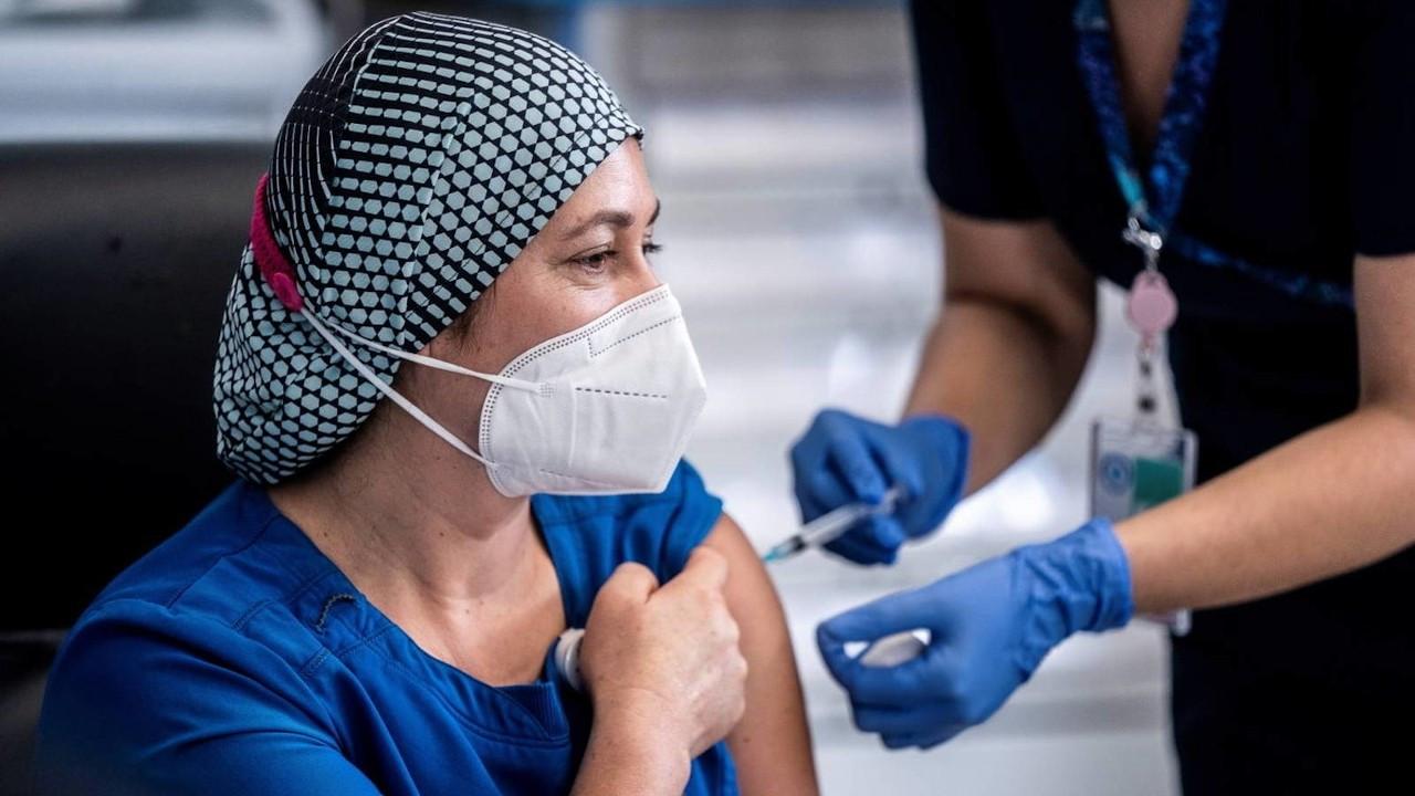İtalya, AstraZeneca aşısının kullanımını durdurdu