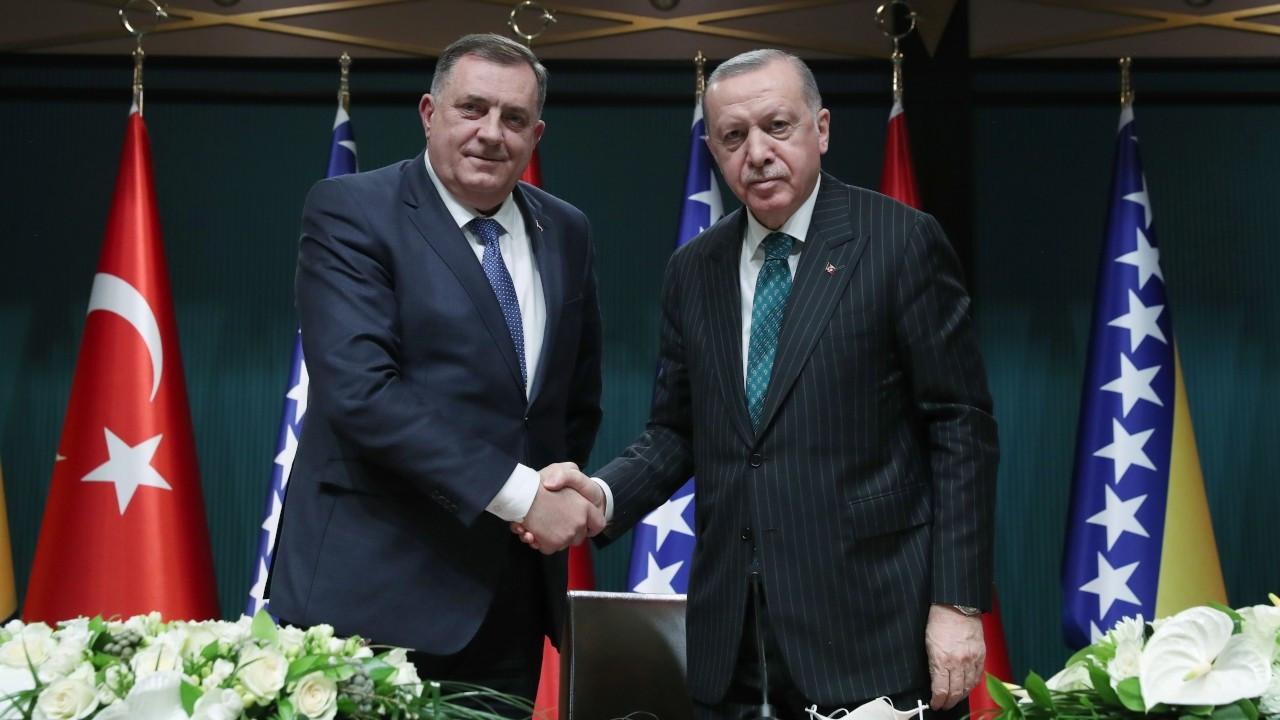 Erdoğan: Kimin eli kimin cebinde belli değil