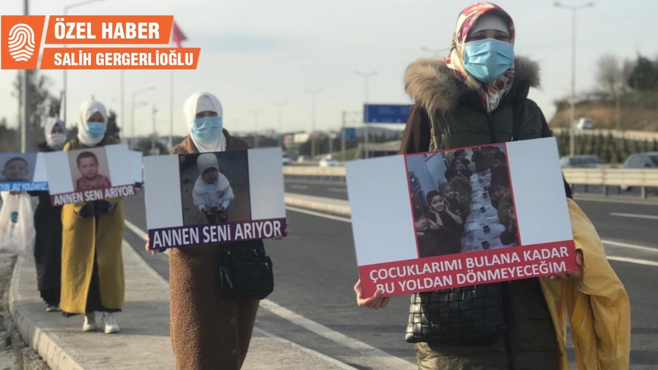 Doğu Türkistanlı kadınlar çocukları için yürüyor
