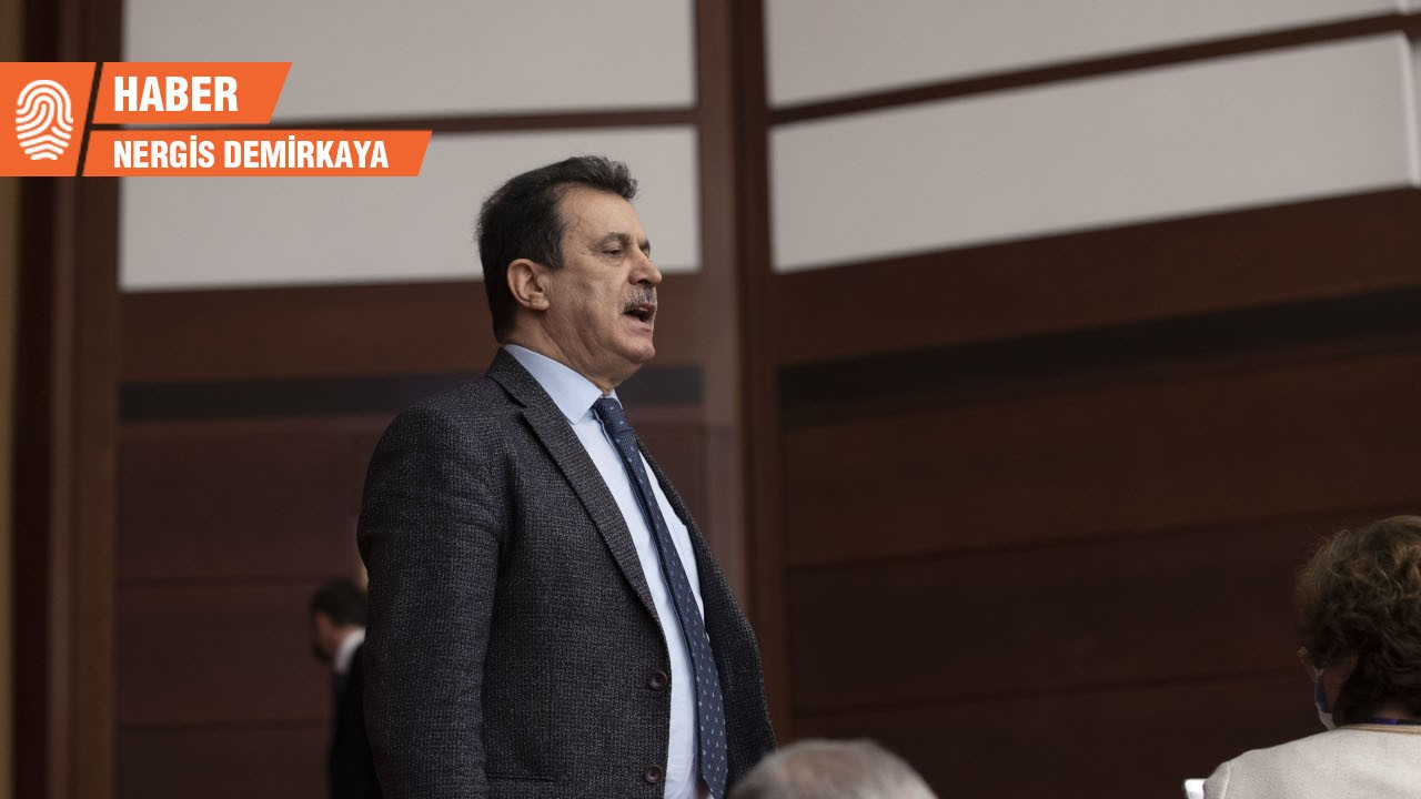 Meclis'te protesto yapan eski vekil: Ülke adına içimi sızlatıyor
