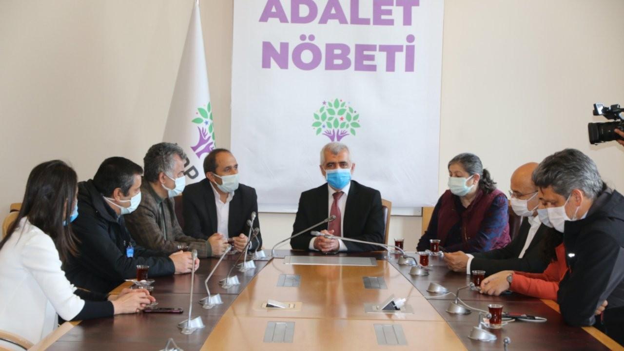 Adalet Nöbeti başlatan Gergerlioğlu'na destek ziyaretleri