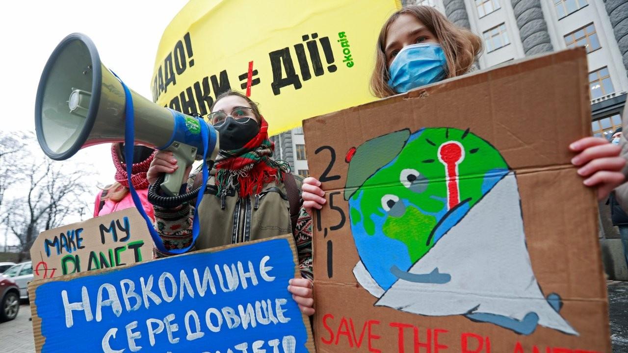 Küresel gençlik hareketi iklim grevinde: 'Boş vaatler istemiyoruz'