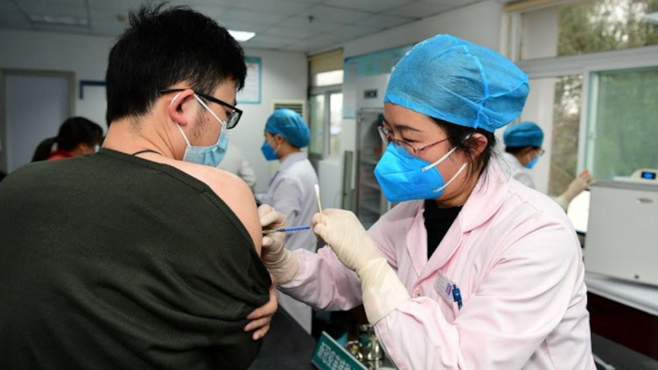 Çin devlet medyası: Şubattan beri görülen ilk vaka, aşılanmıştı