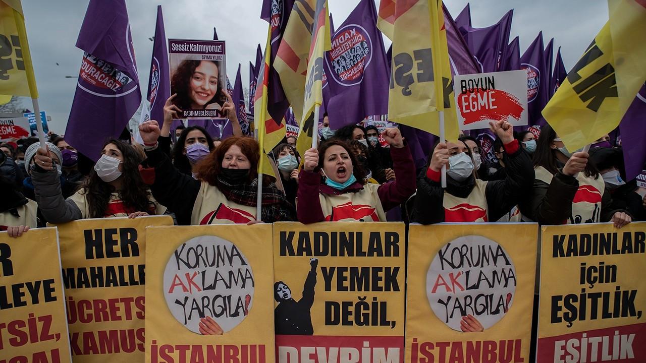 Kadıköy'deki İstanbul Sözleşmesi eyleminden kareler