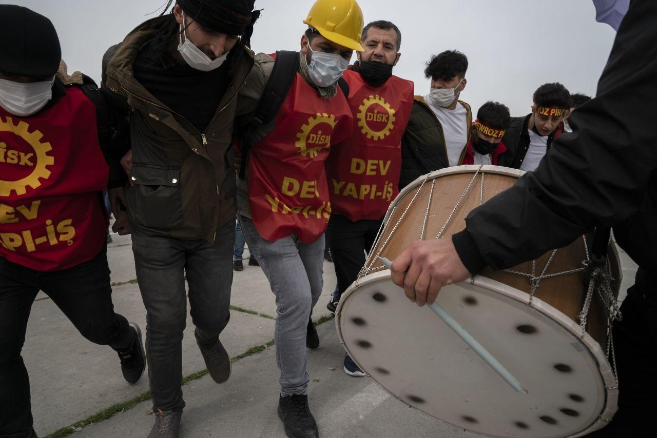 İstanbul'da binlerce kişi Newroz'u kutladı - Sayfa 4