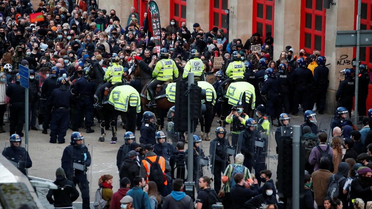İngiltere'de polis yetkisini genişletecek tasarıya karşı protesto