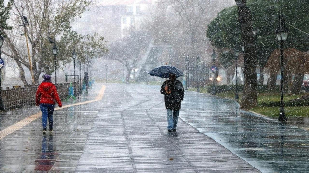 İstanbul için uyarı: Çarşamba gece soğuk ve kar geliyor