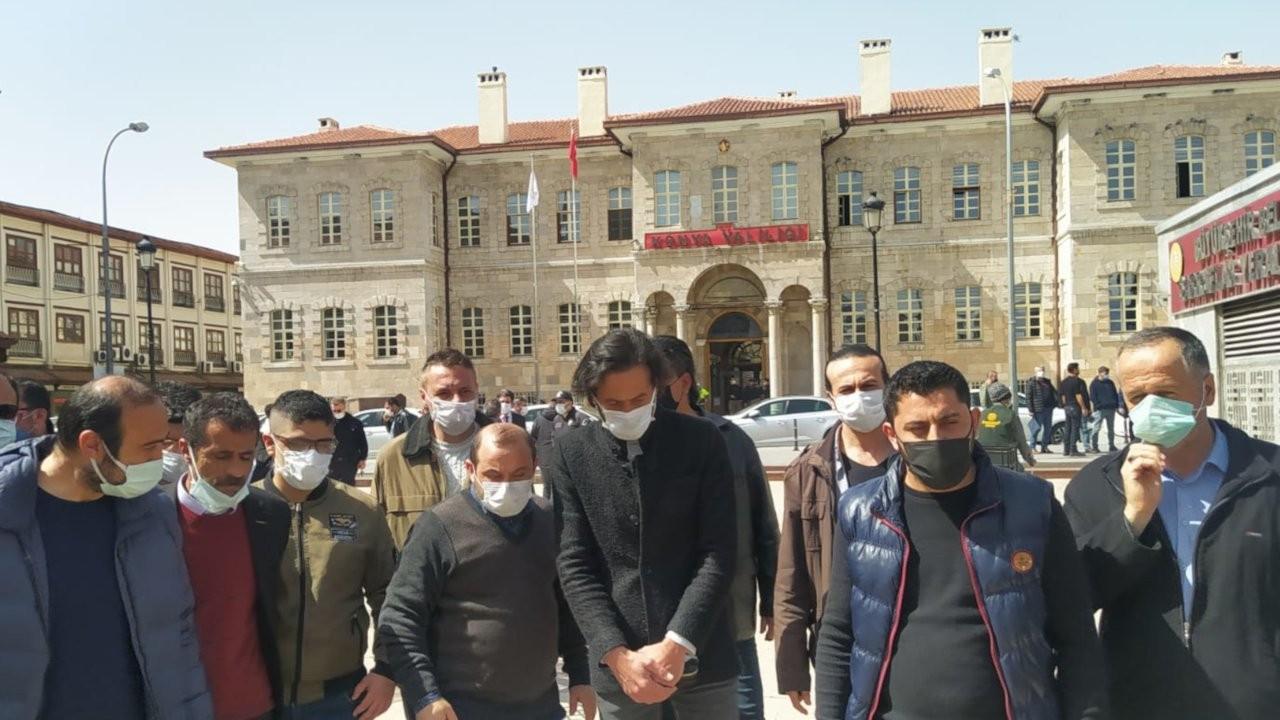 Konya'da esnaf valilik önünde toplandı: Borca battık