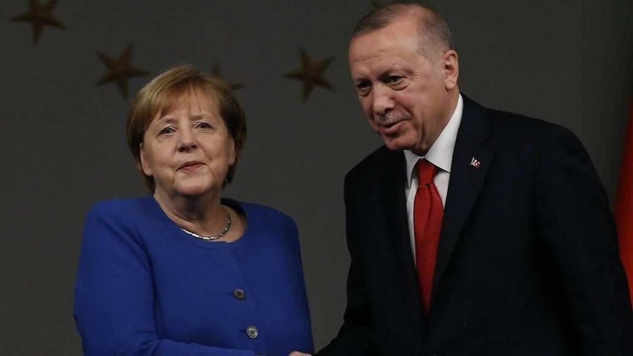 Erdoğan Merkel'e Yunanistan'ı şikayet etti