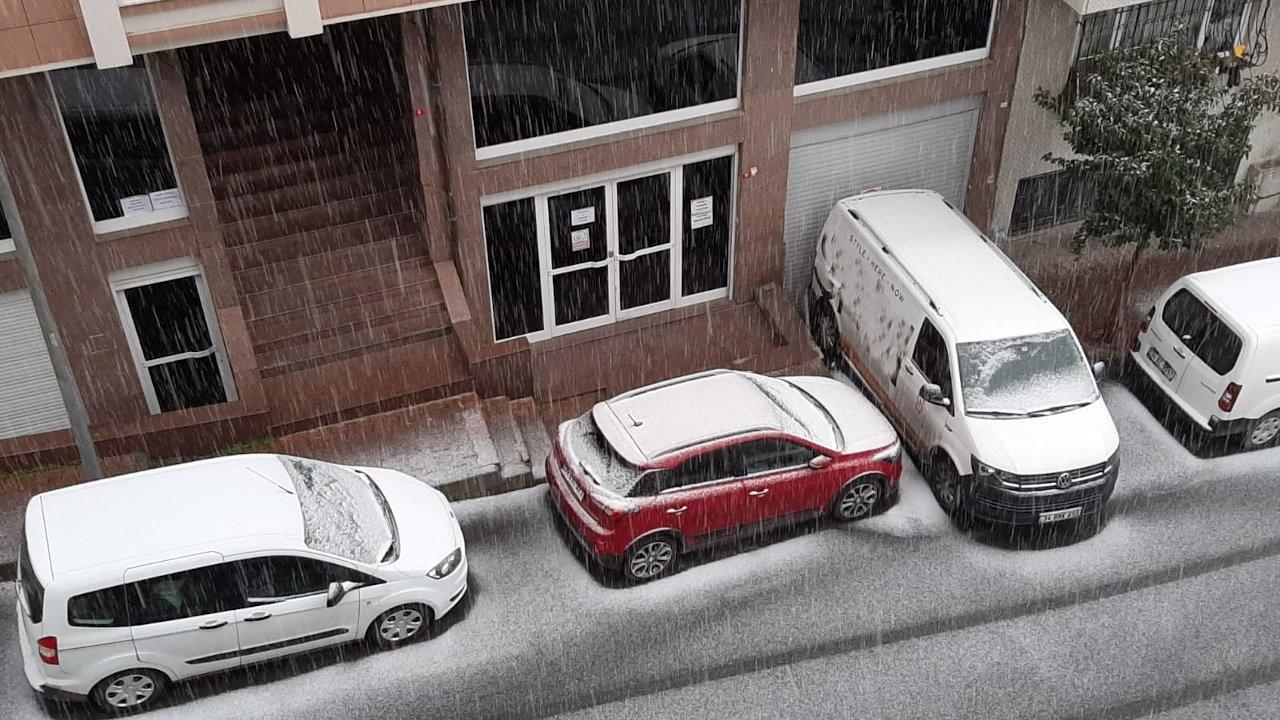 İstanbul'da önce dolu sonra kar