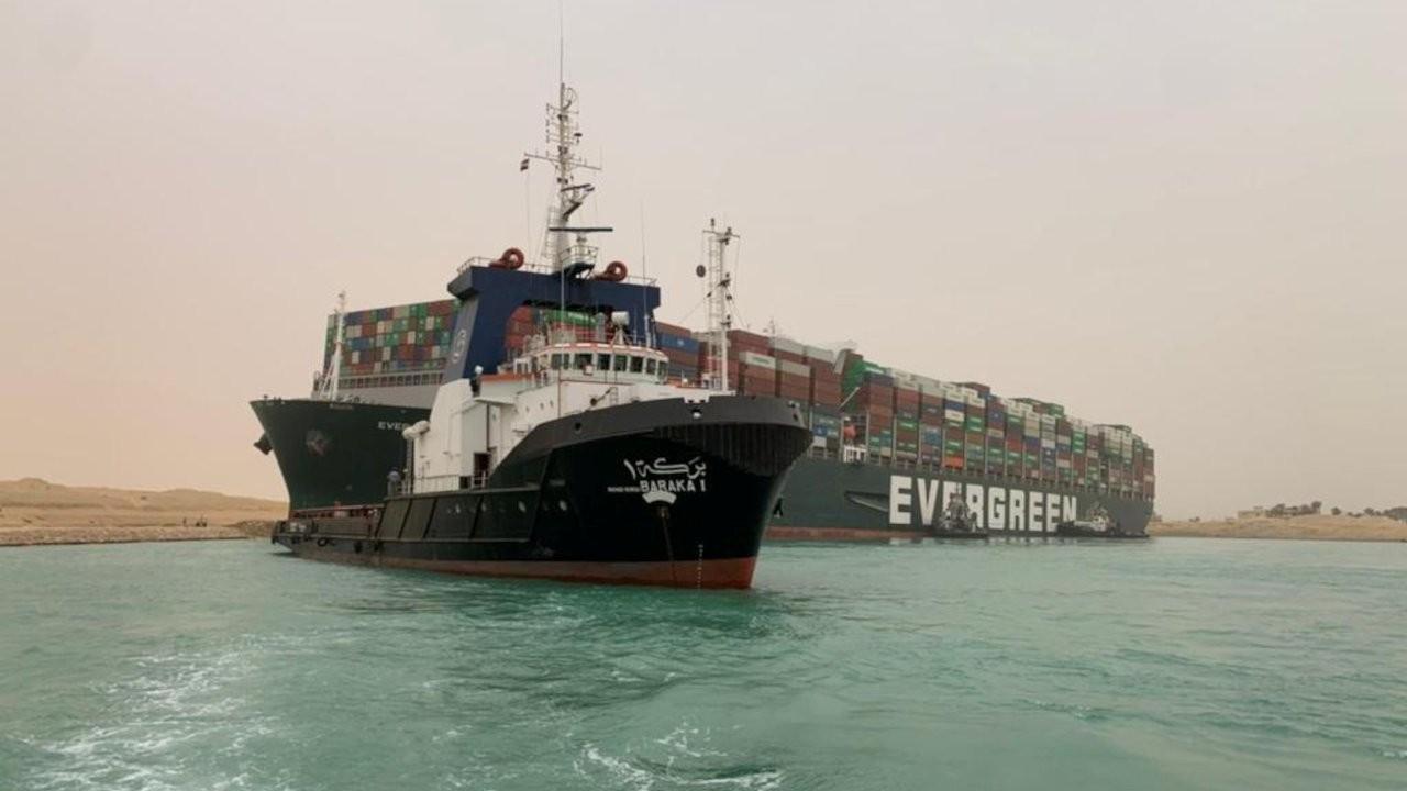 Mısır,Süveyş Kanalı'ndaki zararı için 1 milyar dolar istiyor