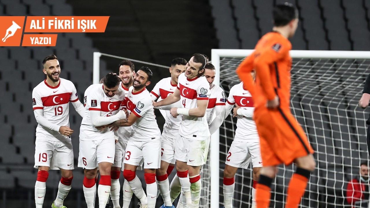 Düşünceli Hollanda saf Türkiye'ye yenildi