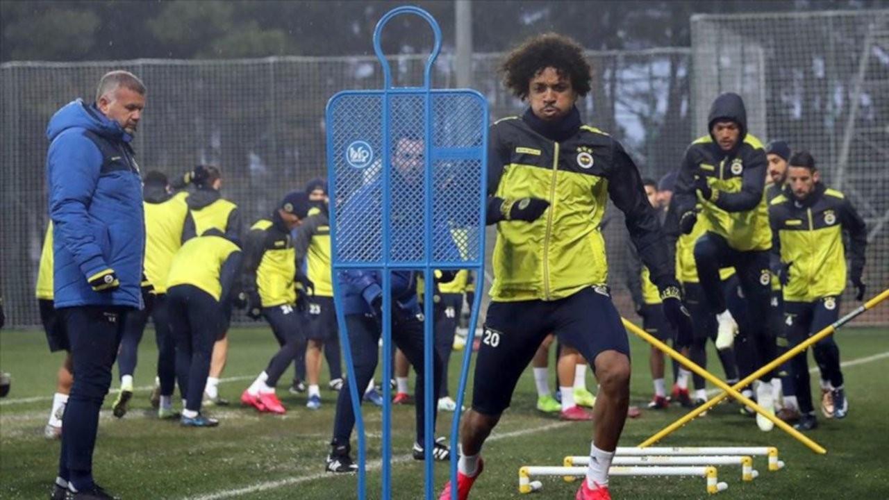 Fenerbahçe'de korona kapan futbolcu sayısı beşe yükseldi
