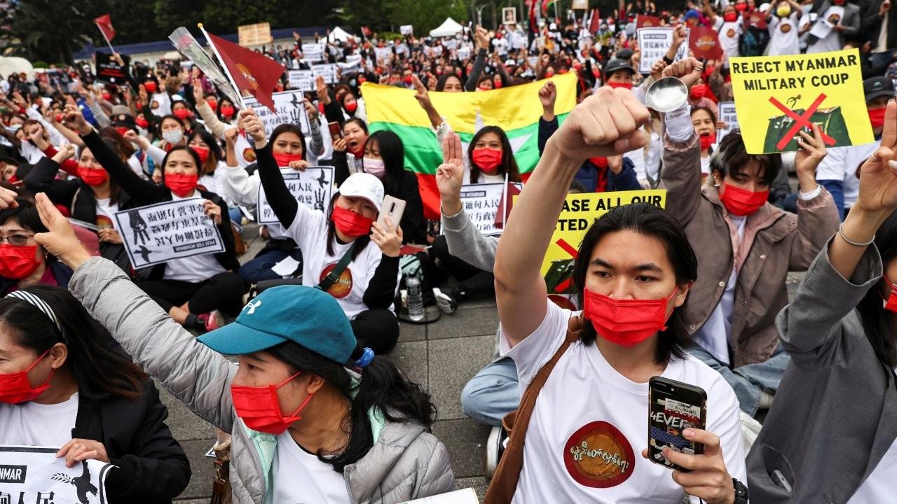 Myanmar'da darbe karşıtı protestolarda ölü sayısı 320'ye çıktı