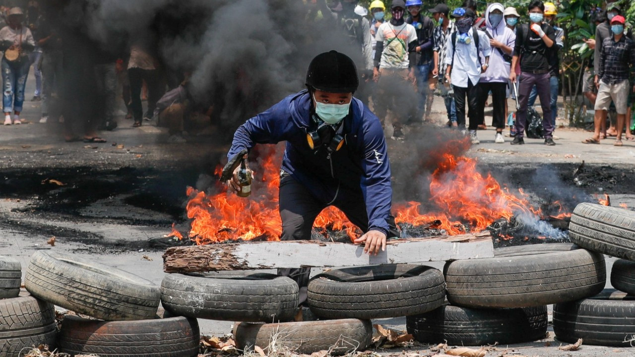 Myanmar'daki darbe karşıtı protestolarda bir günde 114 kişi öldürüldü