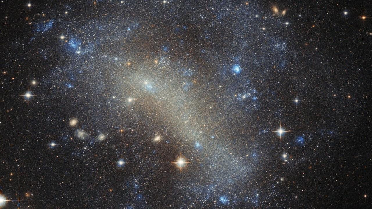 Yıldızları yutan devasa ve görünmez bir 'canavar' keşfedildi