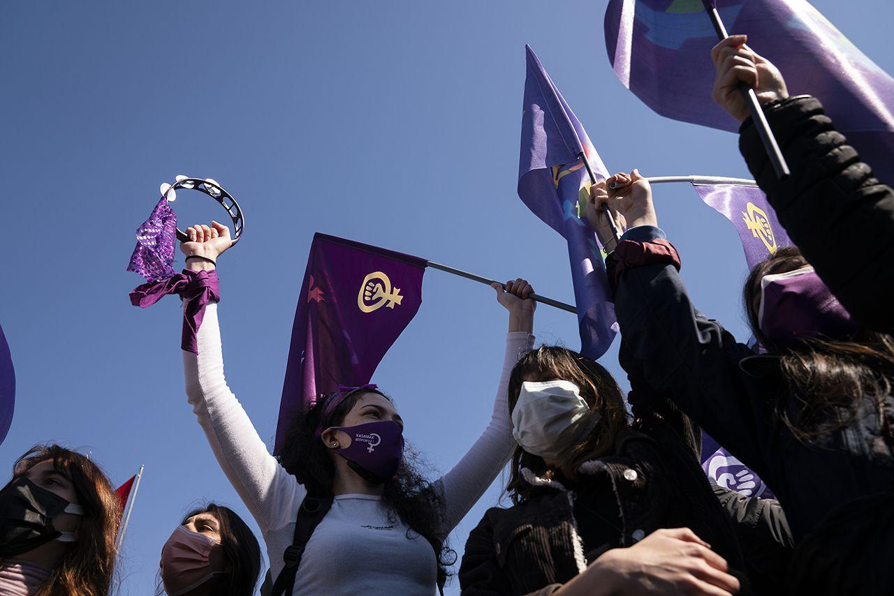 Kadıköy'de İstanbul Sözleşmesi protestosu: Eşitlikten, özgürlükten vazgeçmeyeceğiz - Sayfa 1