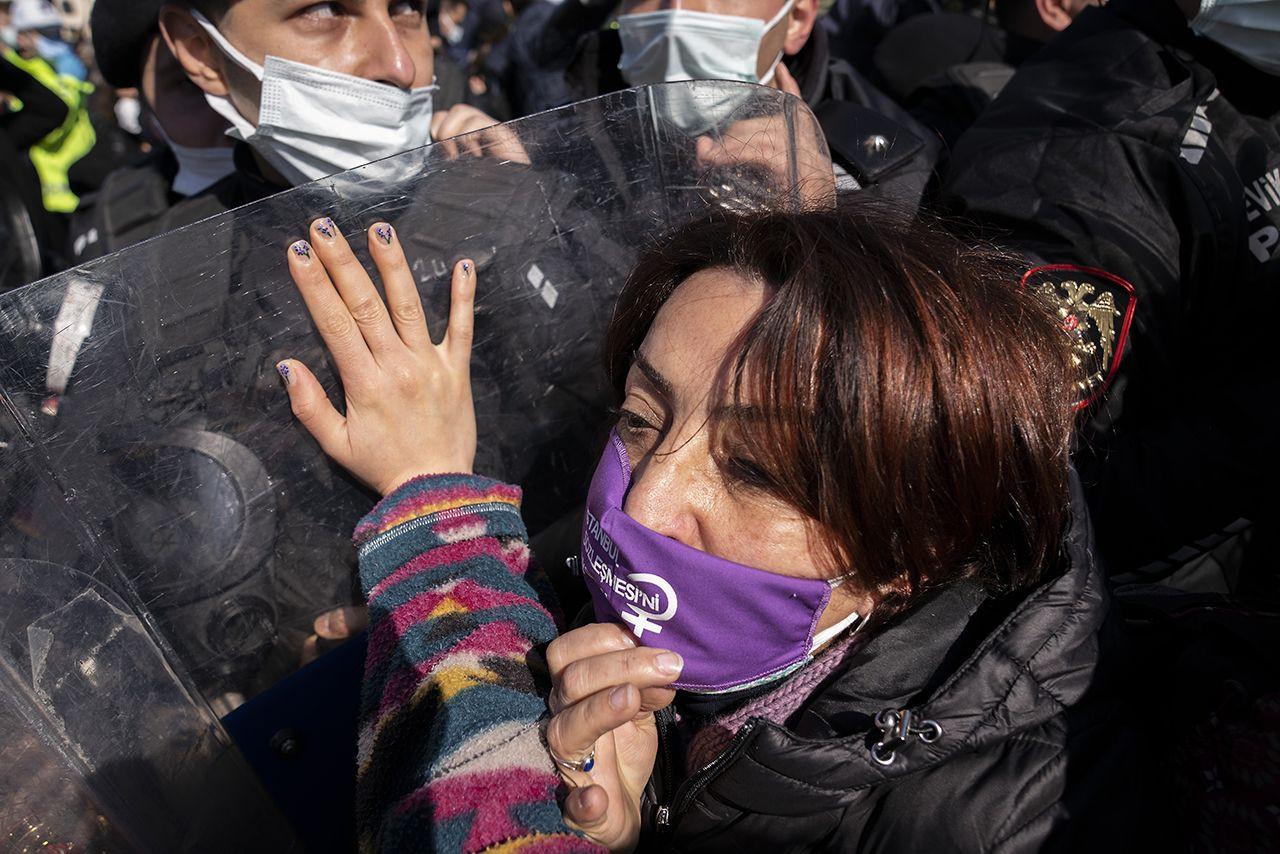 Kadıköy'de İstanbul Sözleşmesi protestosu: Eşitlikten, özgürlükten vazgeçmeyeceğiz - Sayfa 3