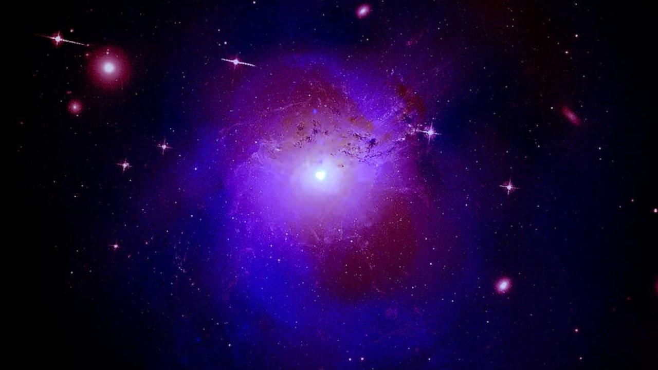 Galaksimizin merkezindeki parıltı karanlık maddenin eseri olabilir